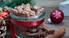 Cinnamon Sugared Almonds packaged in a mason jar