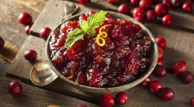 Looking for a healthier cranberry recipe for Thanksgiving dinner? Try this tooth-friendly recipe.