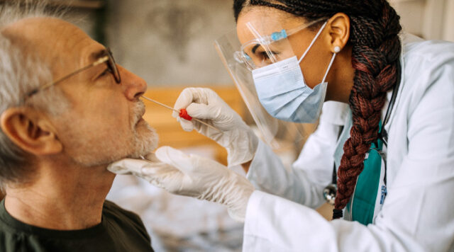 See how symptoms of COVID-19 can impact oral health.
